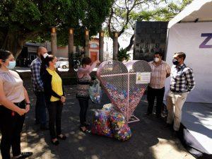 Gobierno Municipal entregó 2 toneladas de tapitas a Banco de Tapitas A.C.